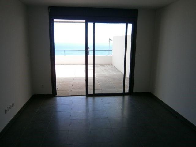 Location appartement St denis 587€ CC - Photo 3