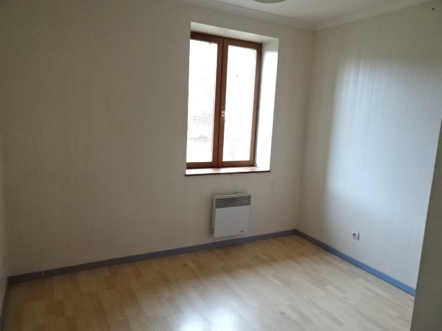 Location maison / villa Theize 907€ CC - Photo 5