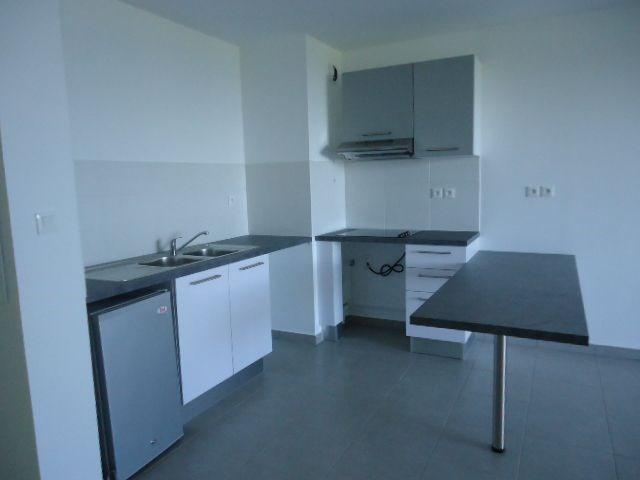 Location appartement St denis 606€ CC - Photo 3