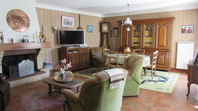 Sale house / villa Loulay 133100€ - Picture 8