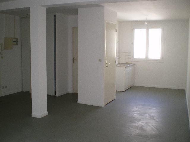 Location appartement Saint-lô 405€ CC - Photo 2