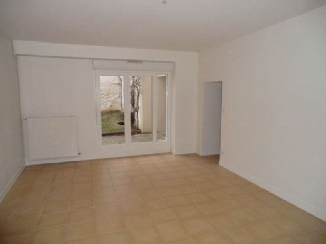 Rental apartment Chalon sur saone 571€ CC - Picture 2