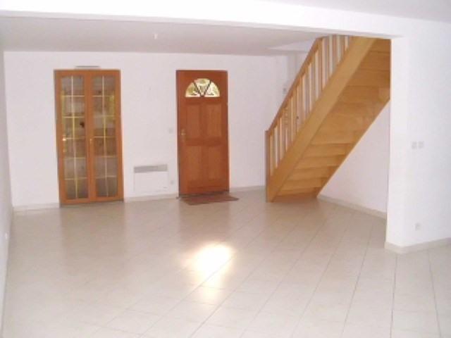 Rental house / villa Maurepas 1411€ CC - Picture 2