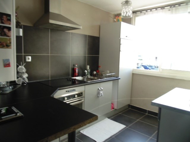 Sale apartment Eybens 135000€ - Picture 2