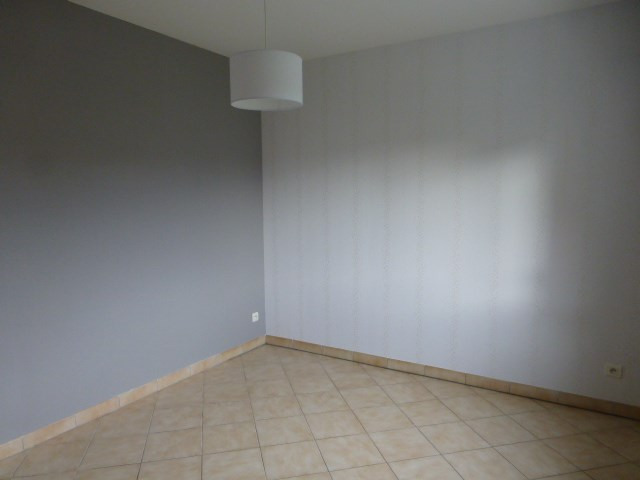 Location appartement Freneuse 785€ CC - Photo 4