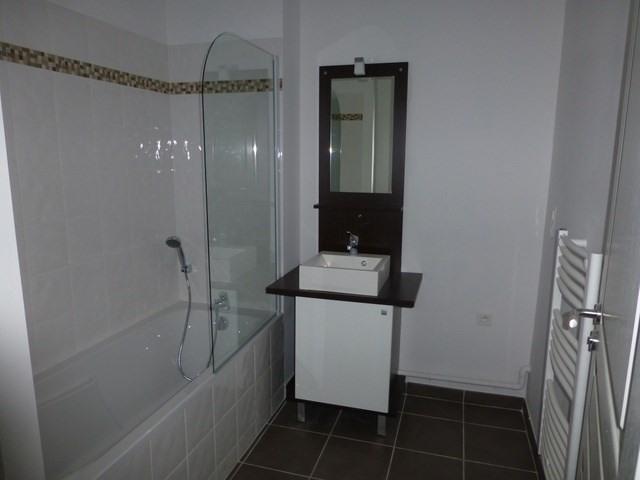 Rental apartment Saint-jean-d'angély 580€ CC - Picture 4