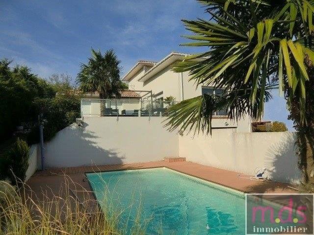Deluxe sale house / villa Castanet-tolosan 5 minutes 415000€ - Picture 1