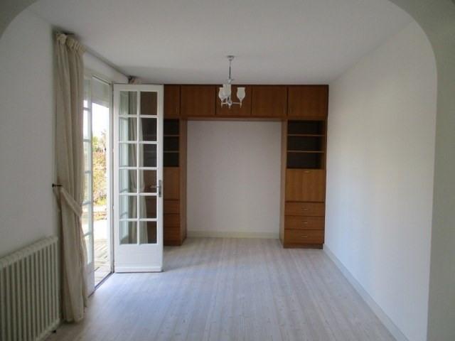 Rental house / villa Saint-jean-d'angély 605€ CC - Picture 3