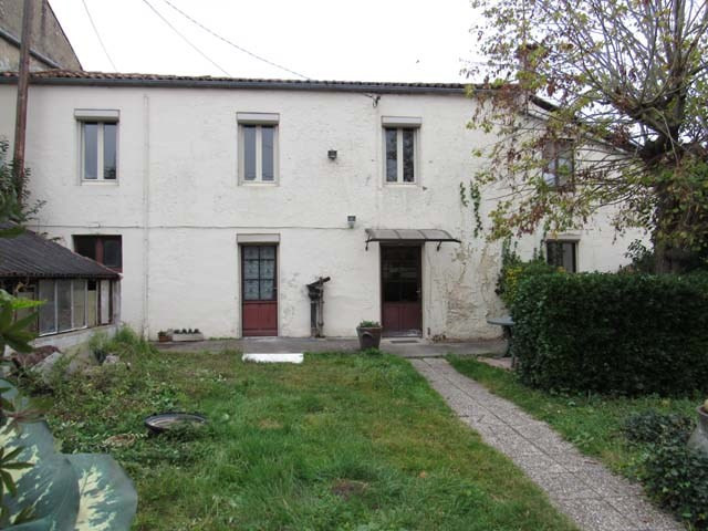 Vente maison / villa Saint jean d'angely 85 500€ - Photo 1
