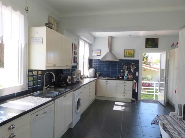 Sale house / villa Saint-jean-d'angély 263750€ - Picture 4