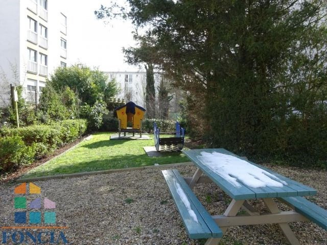 Rental apartment Suresnes 2 100€ CC - Picture 9