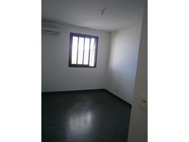 Location appartement St denis 578€ CC - Photo 4