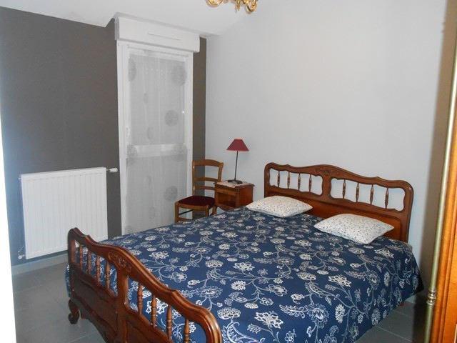 Locação apartamento Saint-genest-lerpt 688€ CC - Fotografia 5