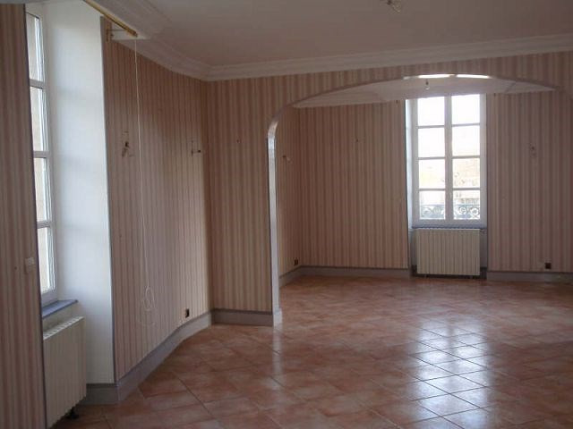 Rental apartment St vallier 500€ CC - Picture 1