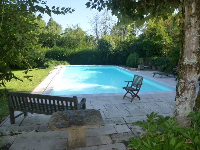Sale house / villa Cuisery 270 000€ - Picture 1
