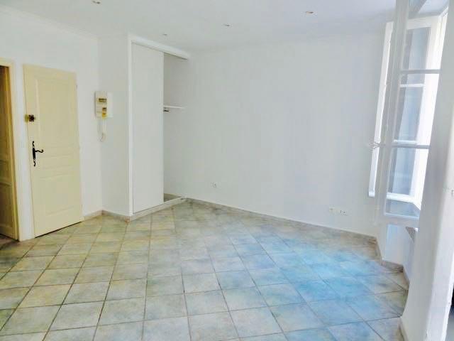 Rental apartment Le beausset 440€ CC - Picture 2