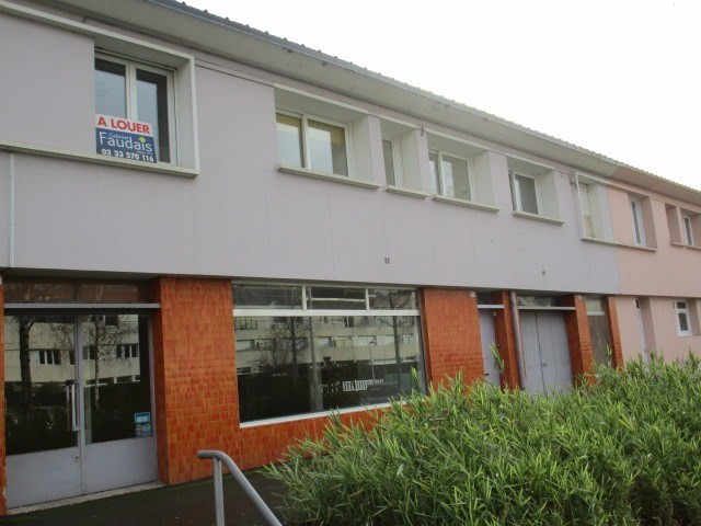 Location local commercial St lo 650€ HC - Photo 1