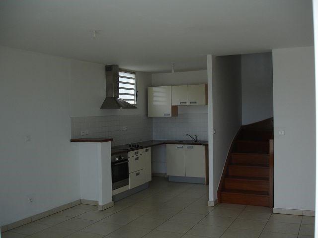 Location appartement Ste clotilde 898€ CC - Photo 6