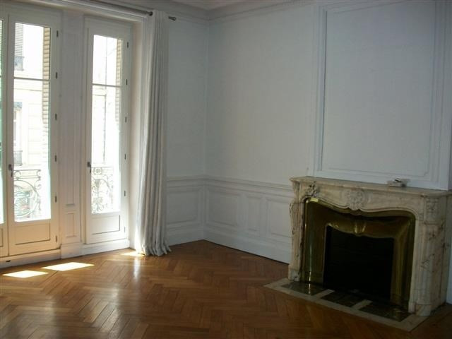 Location appartement Lyon 6ème 2932€ CC - Photo 2