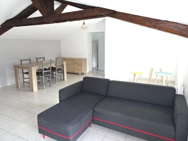 Location appartement Villefranche sur saone 696,83€ CC - Photo 1