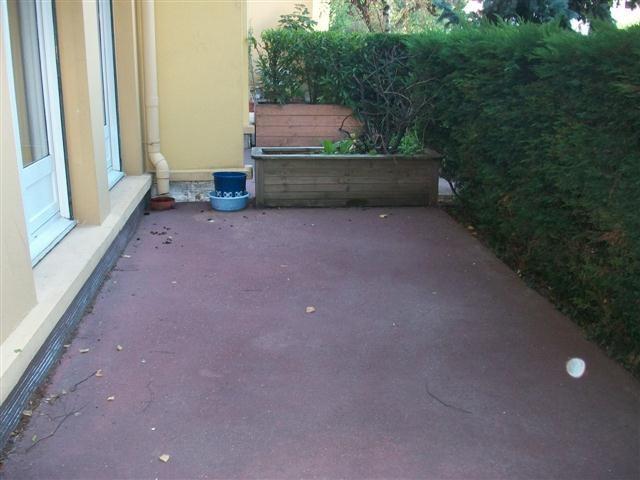 Location appartement Jassans riottier 699,58€ CC - Photo 9