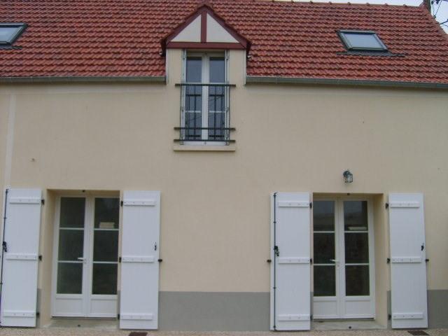 Rental house / villa Jeufosse 770€ CC - Picture 1