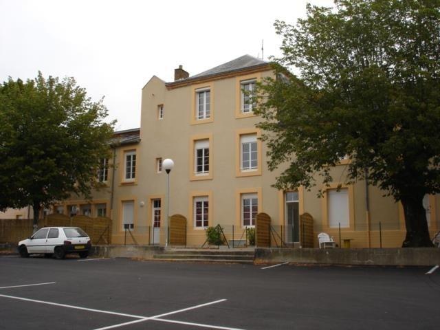 Rental apartment Beaupreau 420€ CC - Picture 2