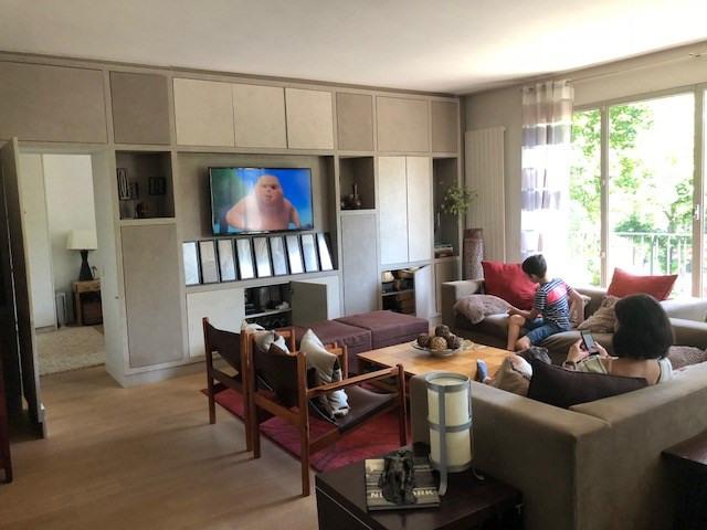 Rental apartment Neuilly-sur-seine 3950€ CC - Picture 1