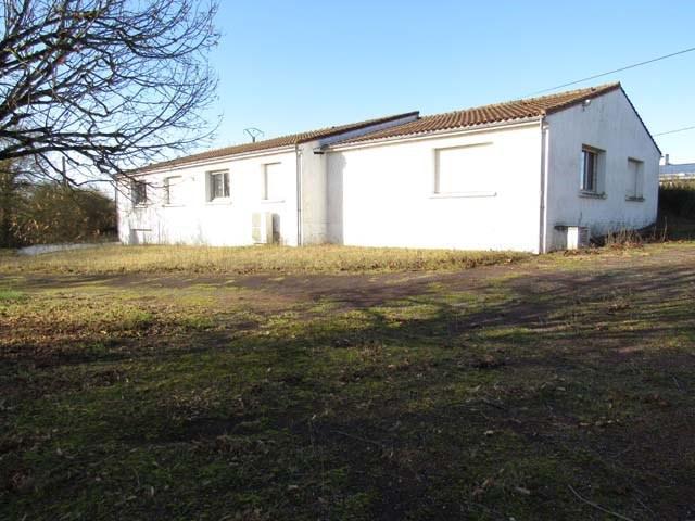 Vente maison / villa Saint-jean-d'angély 233200€ - Photo 1