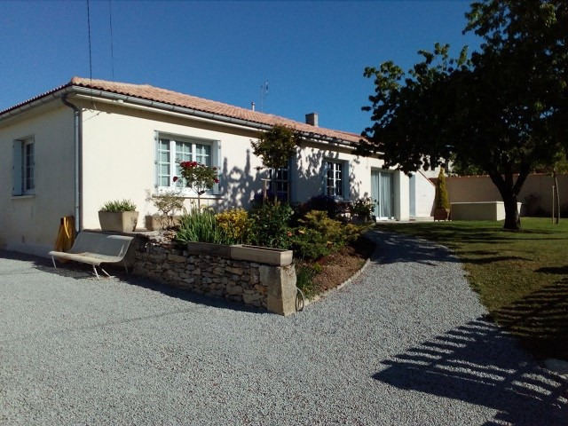 Vente maison / villa Bords 185 500€ - Photo 1