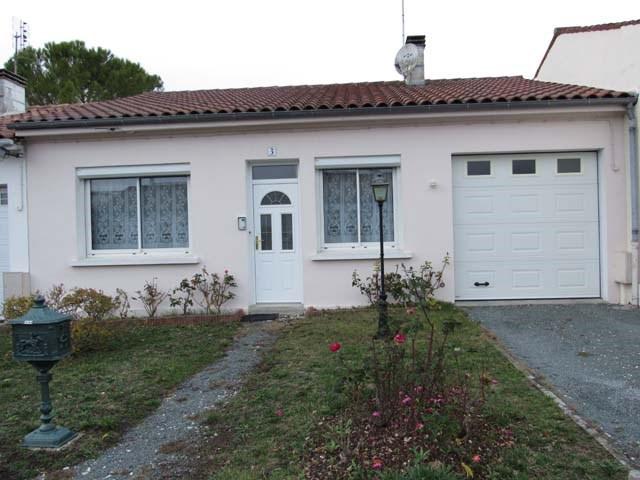 Vente maison / villa Saint-jean-d'angély 122400€ - Photo 1