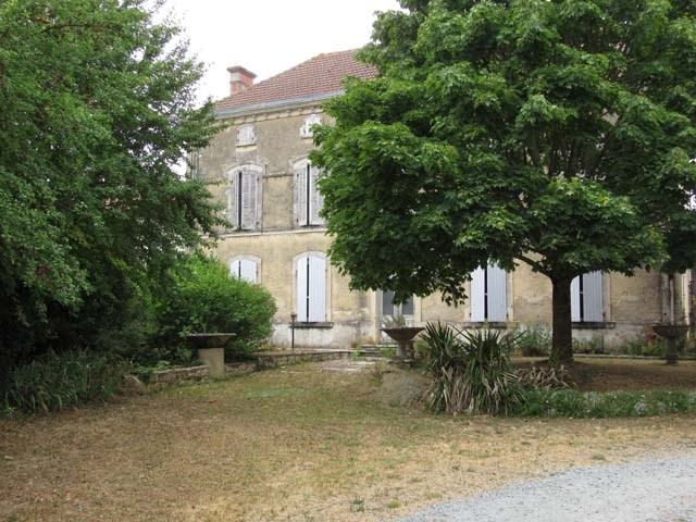 Sale house / villa Loulay 117 150€ - Picture 2