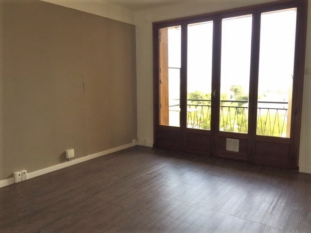 Location appartement Marseille 16ème 721€ CC - Photo 2