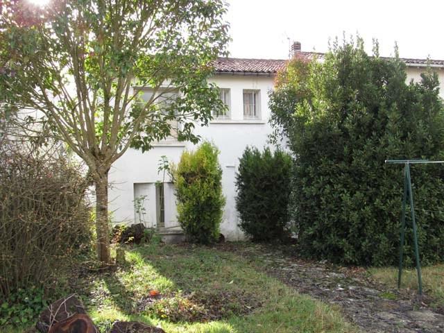 Vente maison / villa Saint-jean-d'angély 69750€ - Photo 2