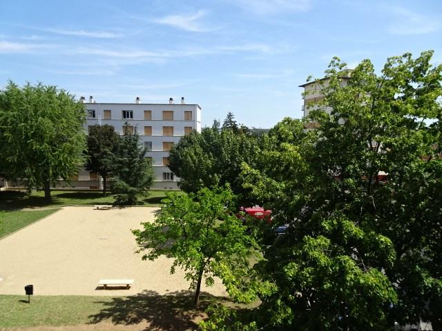 Location appartement Villefranche sur saone 545,58€ CC - Photo 3