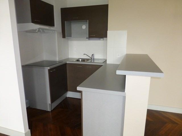 Rental apartment Saint-jean-d'angély 580€ CC - Picture 3