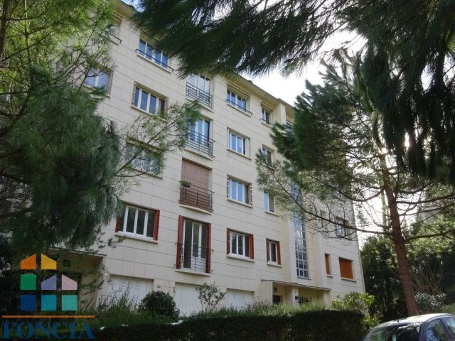 Rental apartment Suresnes 2 100€ CC - Picture 10