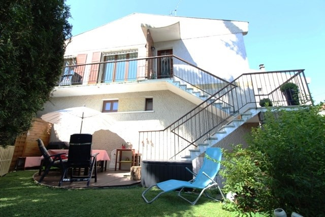 Sale apartment Mareil marly 410000€ - Picture 1