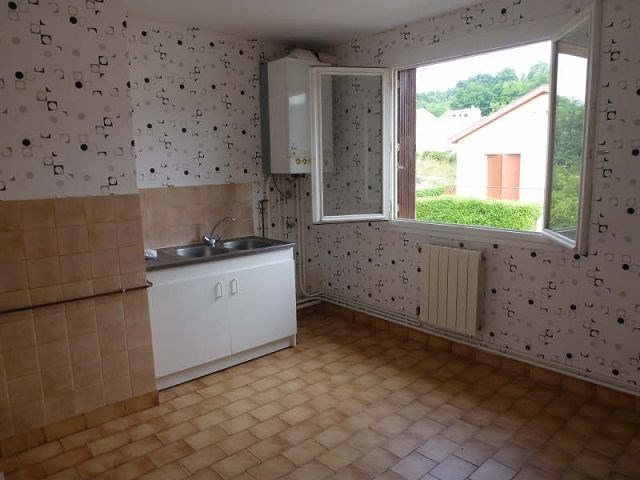 Location appartement St uze 395€ CC - Photo 3