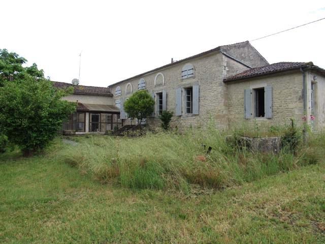 Sale house / villa Saint-jean-d'angély 159000€ - Picture 4
