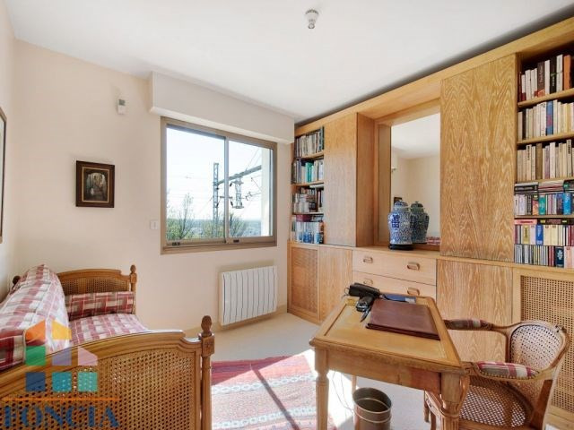 Sale apartment Suresnes 745000€ - Picture 8