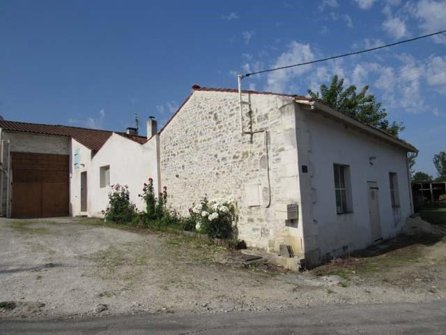 Vente maison / villa Asnières-la-giraud 96300€ - Photo 1