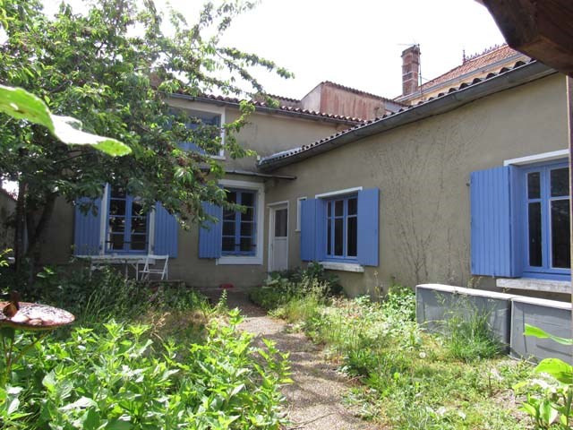 Sale house / villa Loulay 96 300€ - Picture 1