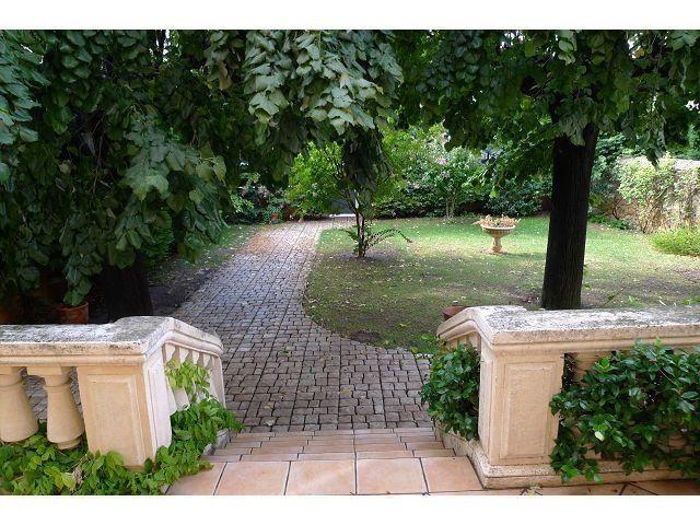 Deluxe sale house / villa Orange 630000€ - Picture 1
