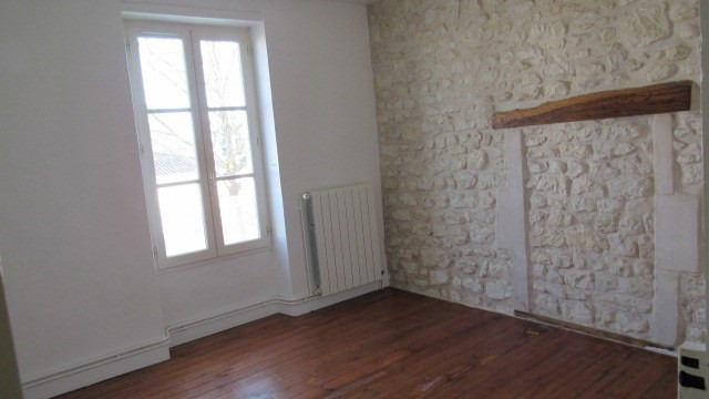 Sale house / villa Saint-jean-d'angély 190 800€ - Picture 6