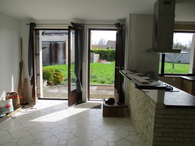 Sale house / villa Loulay 111800€ - Picture 4