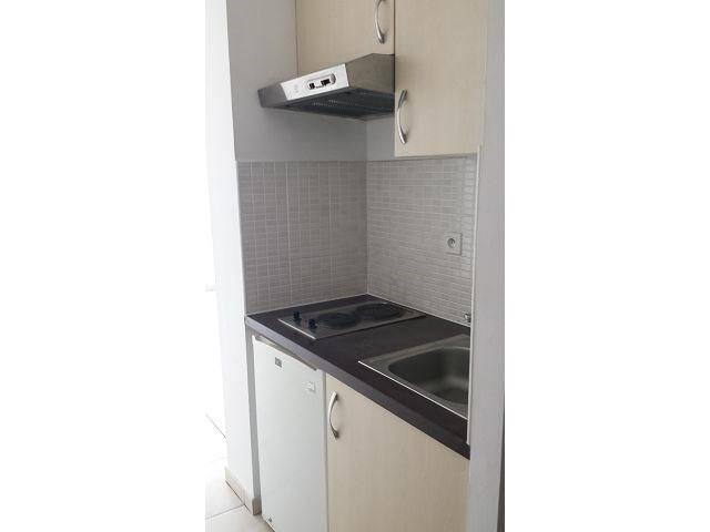 Location appartement St denis 393€ CC - Photo 4