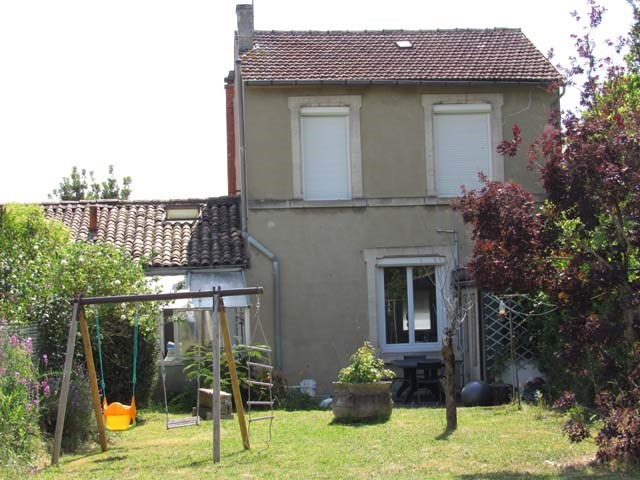 Sale house / villa Saint-jean-d'angély 122 475€ - Picture 1