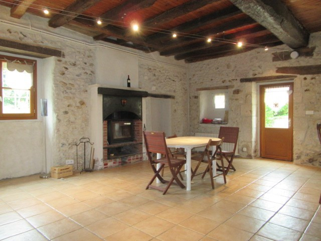 Rental house / villa Mensignac 700€ CC - Picture 1