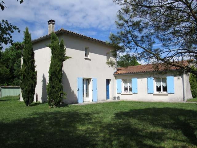 Sale house / villa Vervant 238500€ - Picture 1